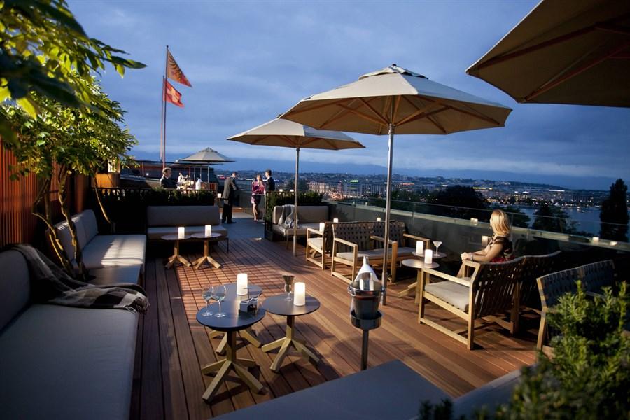 5 Lounge Bar